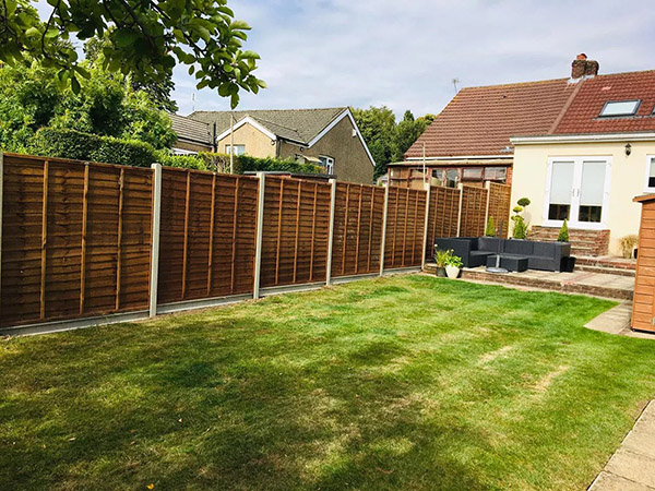 Lap panel fencing